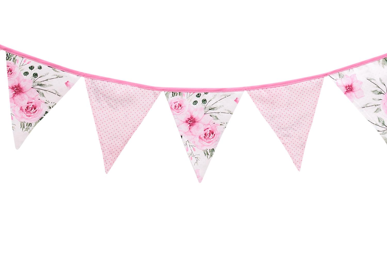 girlanda-in-garden-pink